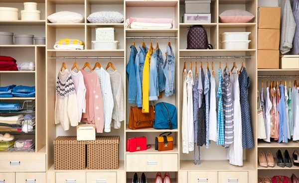 How to organize your closet?